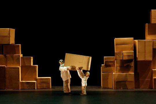 blick-theatre-hullu-arthur-bramao-8